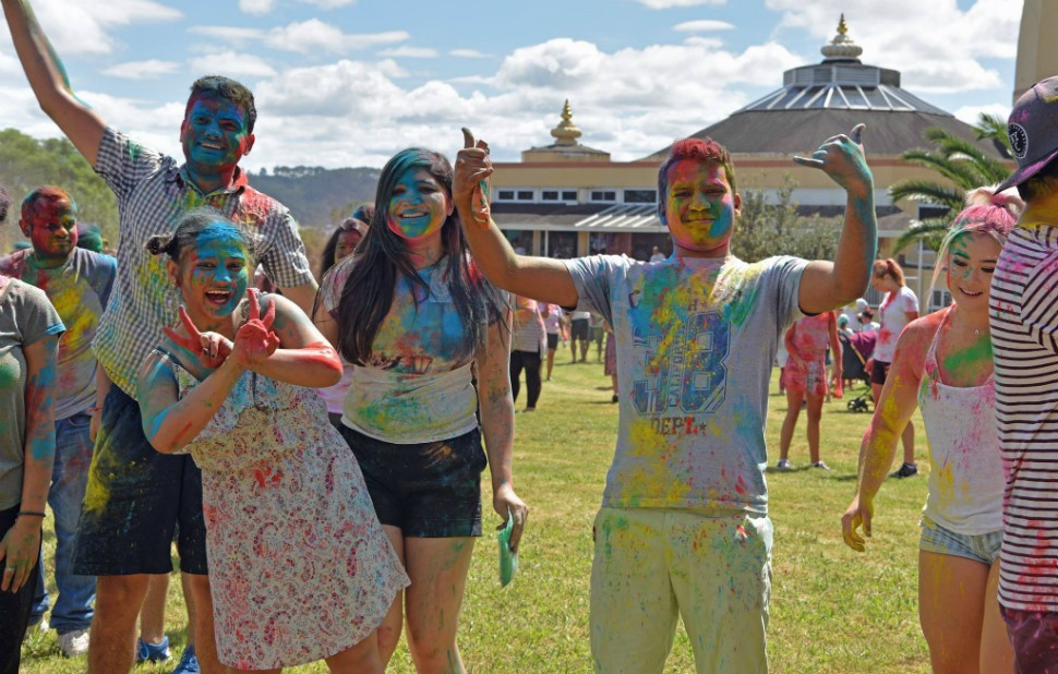 Community drenches in colours at ISKCON Holi - www indianweekender co nz