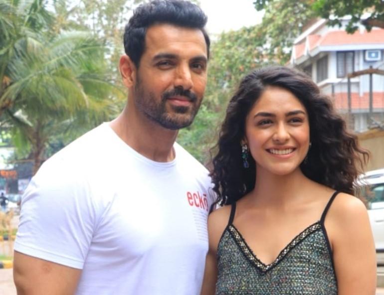 Super-girl' Mrunal Thakur--after romancing Hrithik Roshan , now
